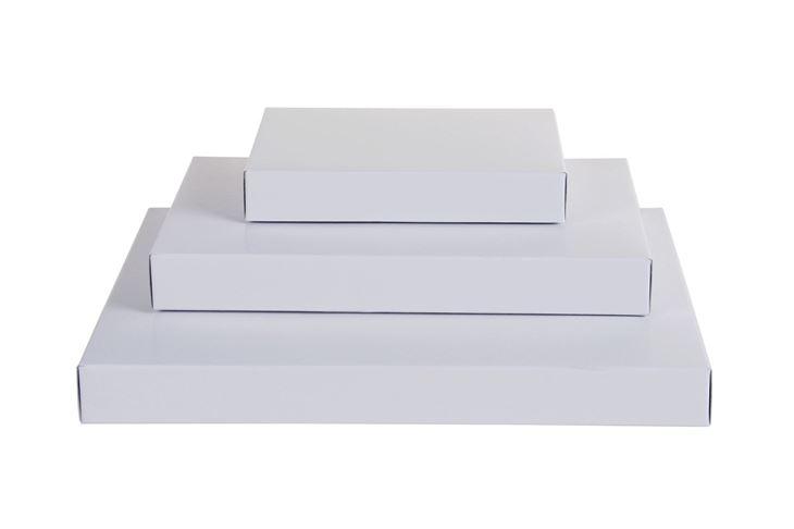 Afbeeldingen van Brievenbusdozen wit massief karton